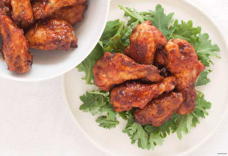 Enjoy the heat and the sweet from these gluten free, paleo friendly hot wings. | Sriracha Fig Hot Wings from small-eats.com