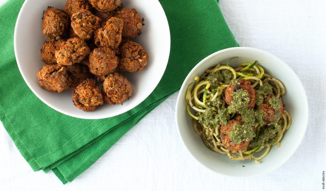 Make a meatless meatball with these Lentil Vegetarian Meatballs for your next meal. | Lentil Vegetarian Meatballs from small-eats.com