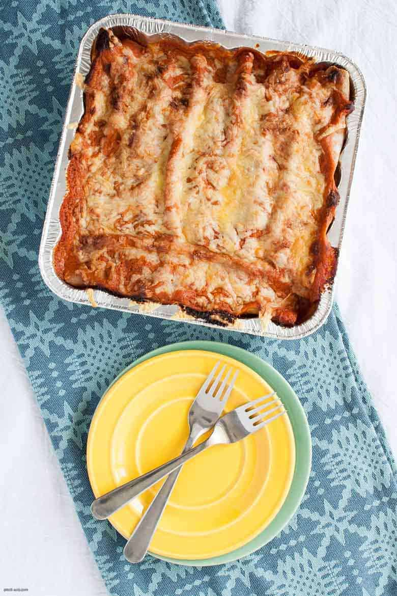 Help your future self out with hearty, freezer-friendly vegetarian enchiladas. | Vegetarian Freezer Enchiladas from small-eats.com