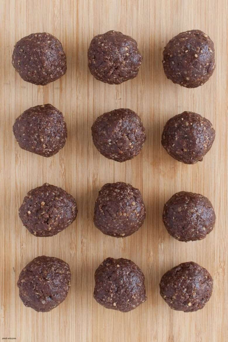 A sweet and protein-packed date ball boosted with collagen peptides and hemp seeds. | Cacao Hemp Tahini Date Balls from small-eats.com